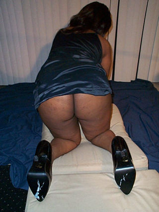 Thick ass black girls undressing and posing