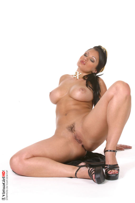 Stop watching pictures and get Aria Giovanni strip