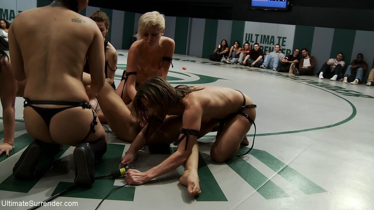 Xxx nude photos of paulie perret