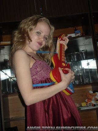 Amateur homemade teen girl