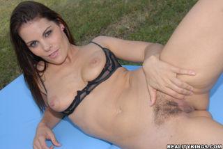 Hot babe samantha gets her hot hairy big bush poun