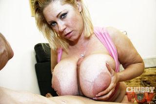 Samantha shows oof her big tit skills