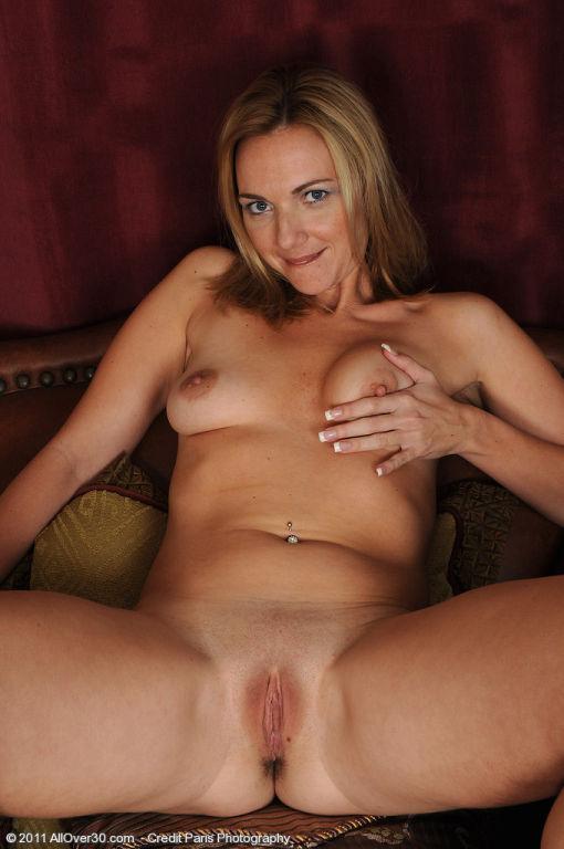 Lovely MILF Samantha Rae slips off her white panti