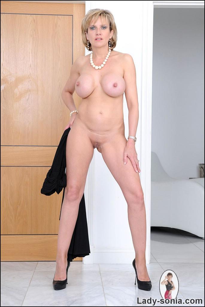 Lady sonia naked milf