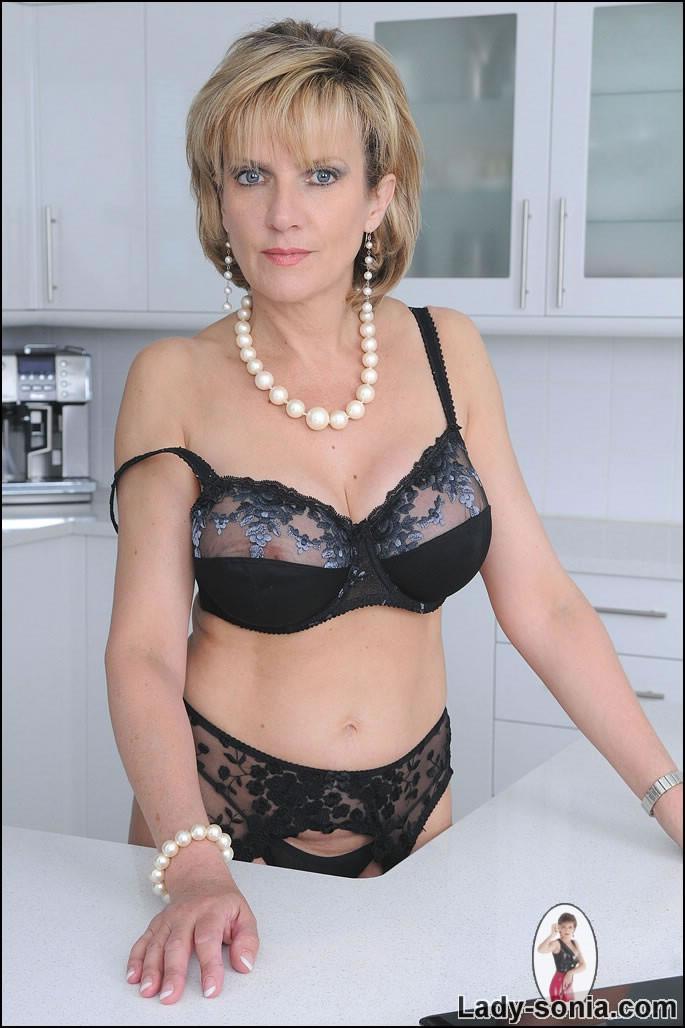 Actress hot pics fucked