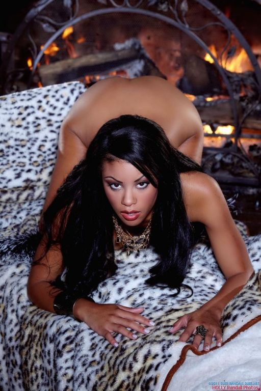 Rihanna Rimes strips off her lingerie