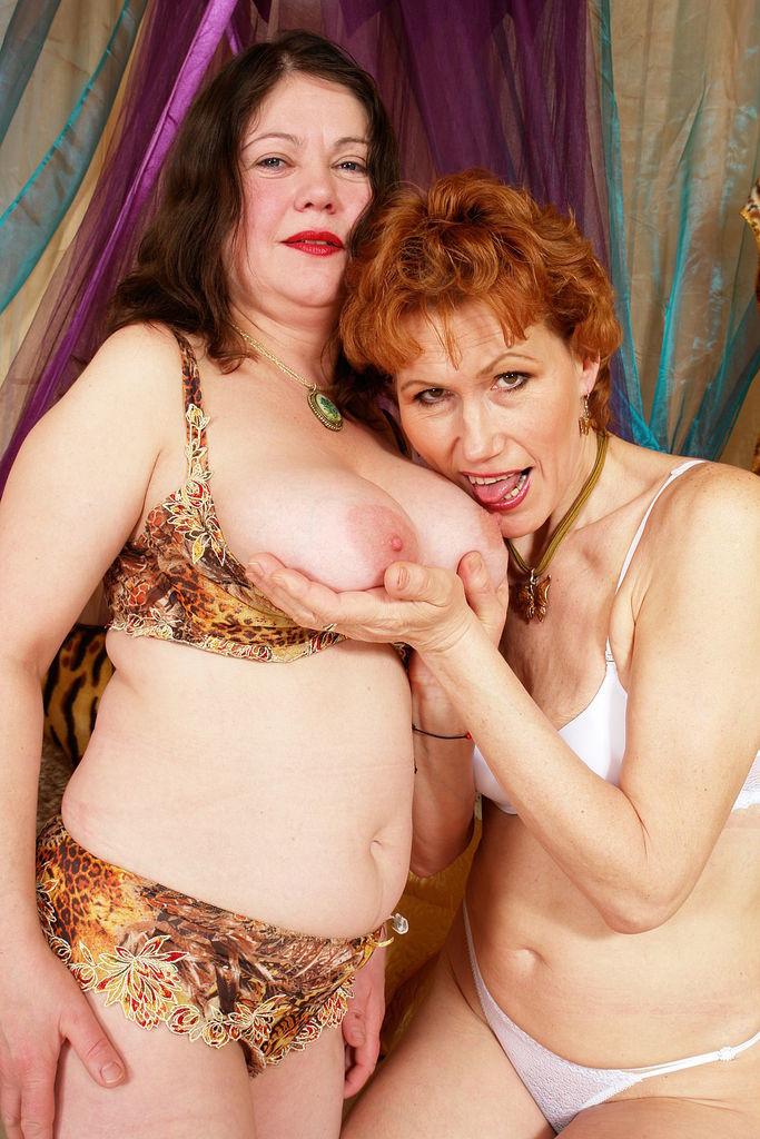 Granny hot lesbian