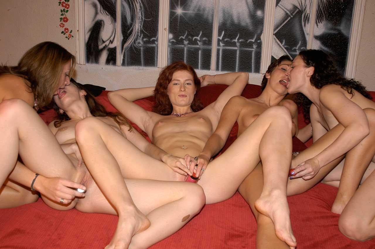 порно лесби вечеринка такие картинки