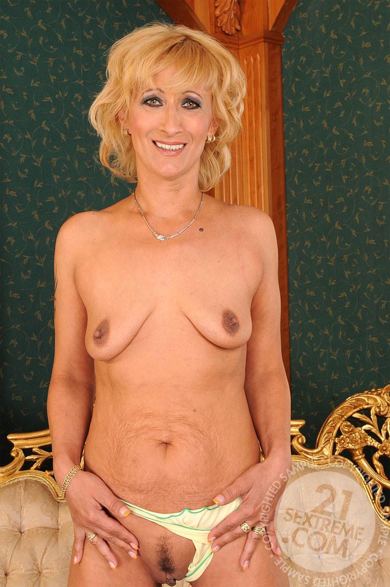 Carol cruz pantyhose