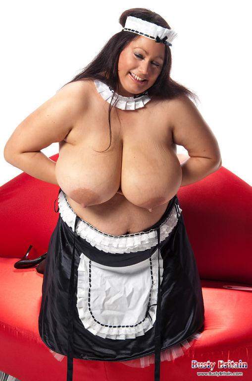 Madison Blush stripping off to display her giganti