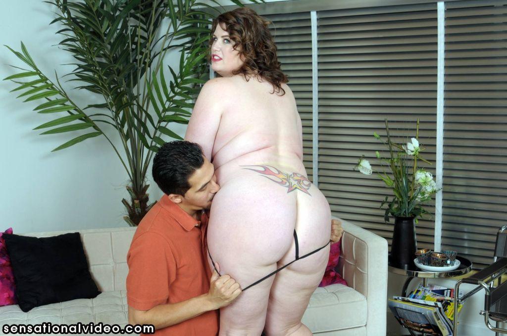 Pornstar Lisa Sparxxx Gets Her Boots Licked