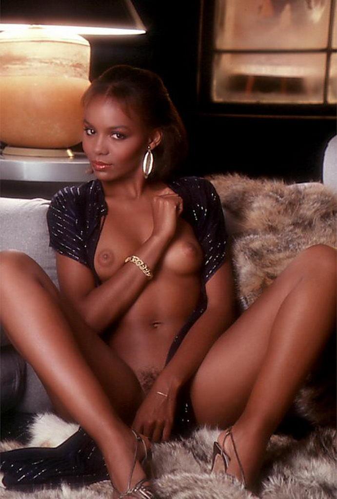 ebony-anne-nude