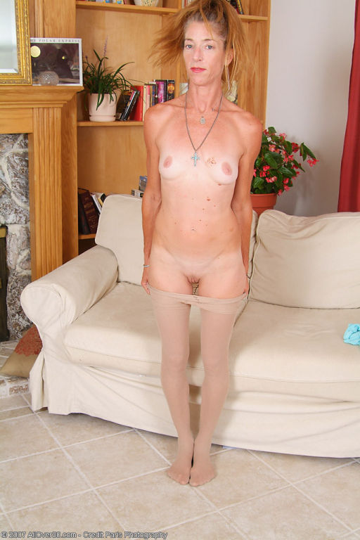 Freckled milf amataur short red hair