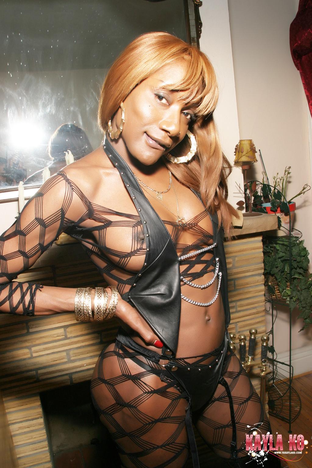 Large Shemale Kayla K O - Shemale Kayla KO in fishnet body stocking - Pichunter
