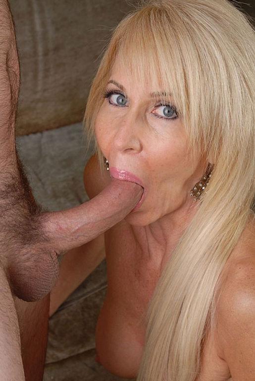 Horny milf Erica Lauren doing anal sex