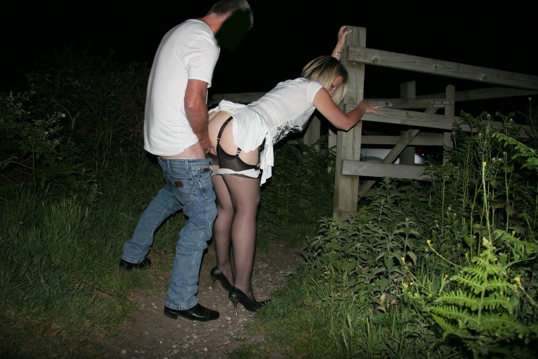 Русские на огороде трахаются, Секс дома, или трах на даче в доме - Порно дрочка 2 фотография