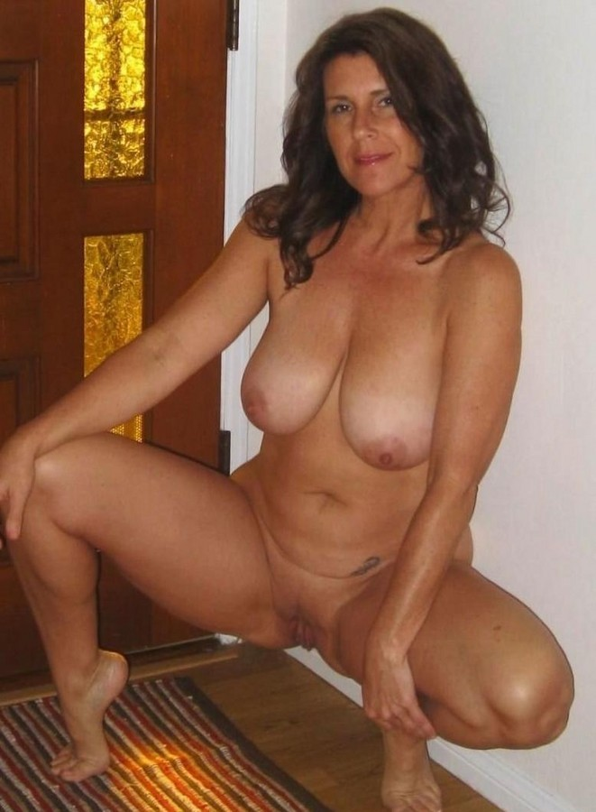 milf boobs nude mature