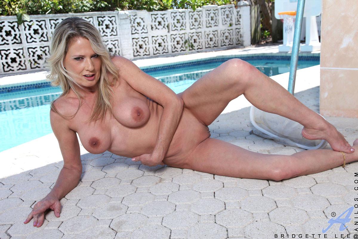 Nude beach college girls fucking