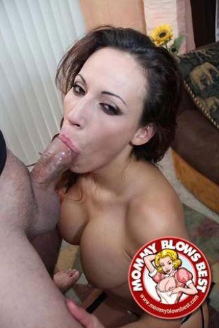 Slutty milf mom Layla Rivera giving great head in