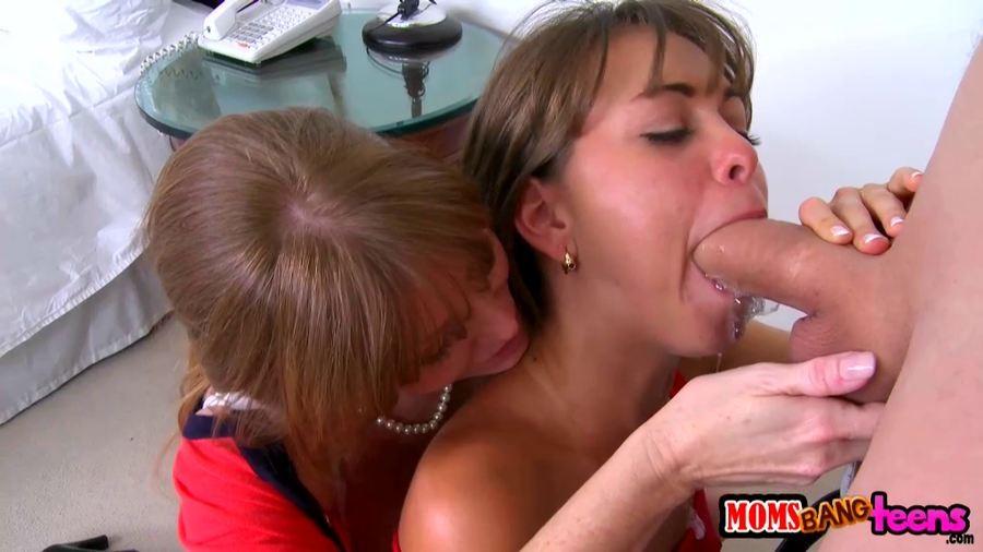 Darla crane порно stepmom seducing a couple with her alluring skills