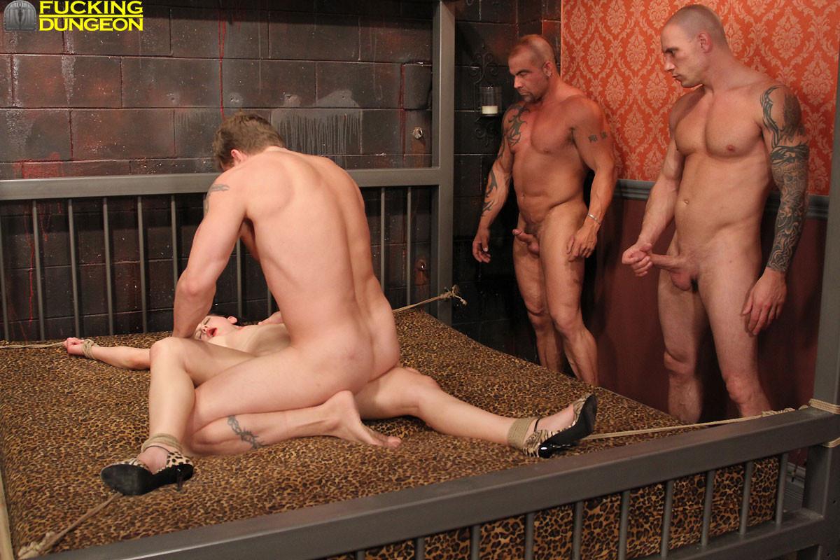 жёсткое групповое гей порно онлайн