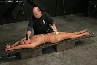 Cute Jaelyn becomes hardcore bondage slave