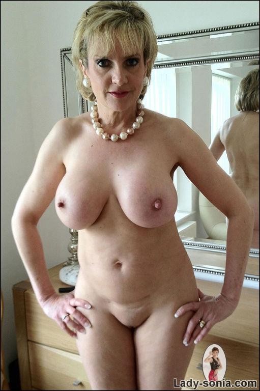 Naked brunette models