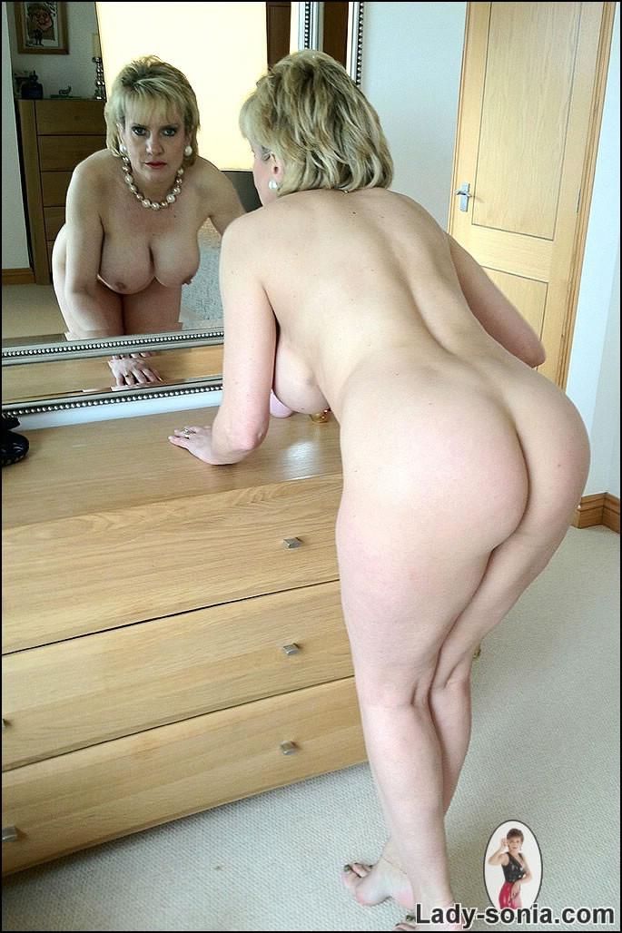 Mature british nudes