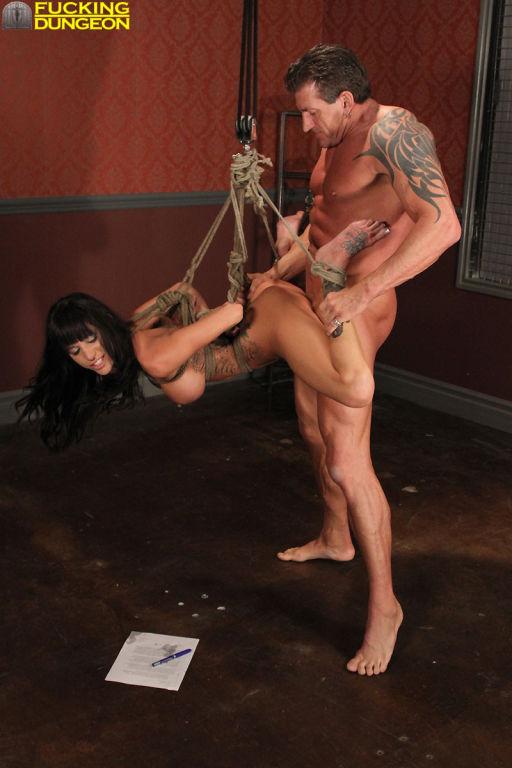 Tabatha cash film marco polo scene orgie jolie fille nue