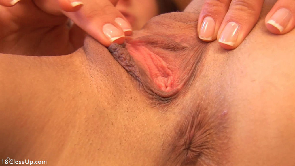 Isabella's Strong Clit Orgasm Close Up