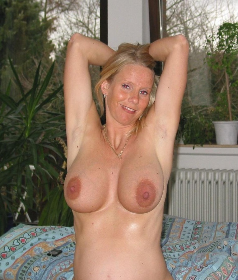 Naked amateur mature busty