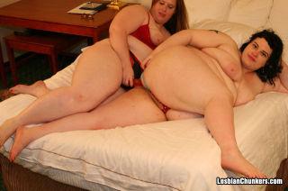 Fat BBWs Melissa and Rowan Lamark Fucking Their Fl