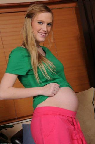 porn Amanda Bryant pregnant redheads