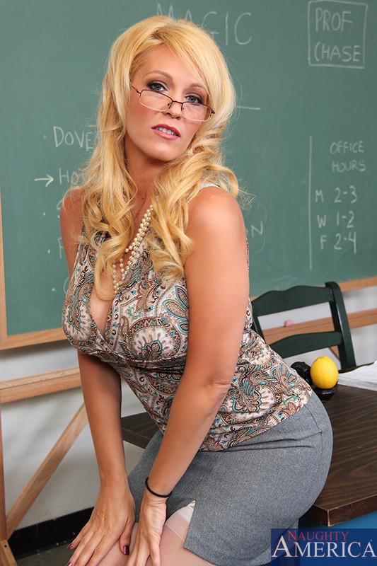 Busty Milf Blonde Dildo Webcam