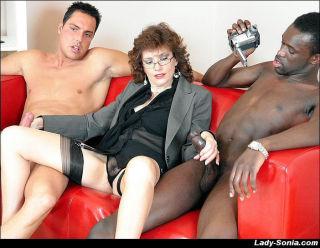 Sexy milf Lady Sonia in an interracial blowjob thr