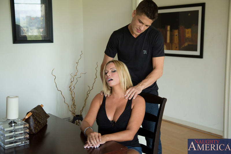 Important pounded blonde busty cunt milf hard gets thanks