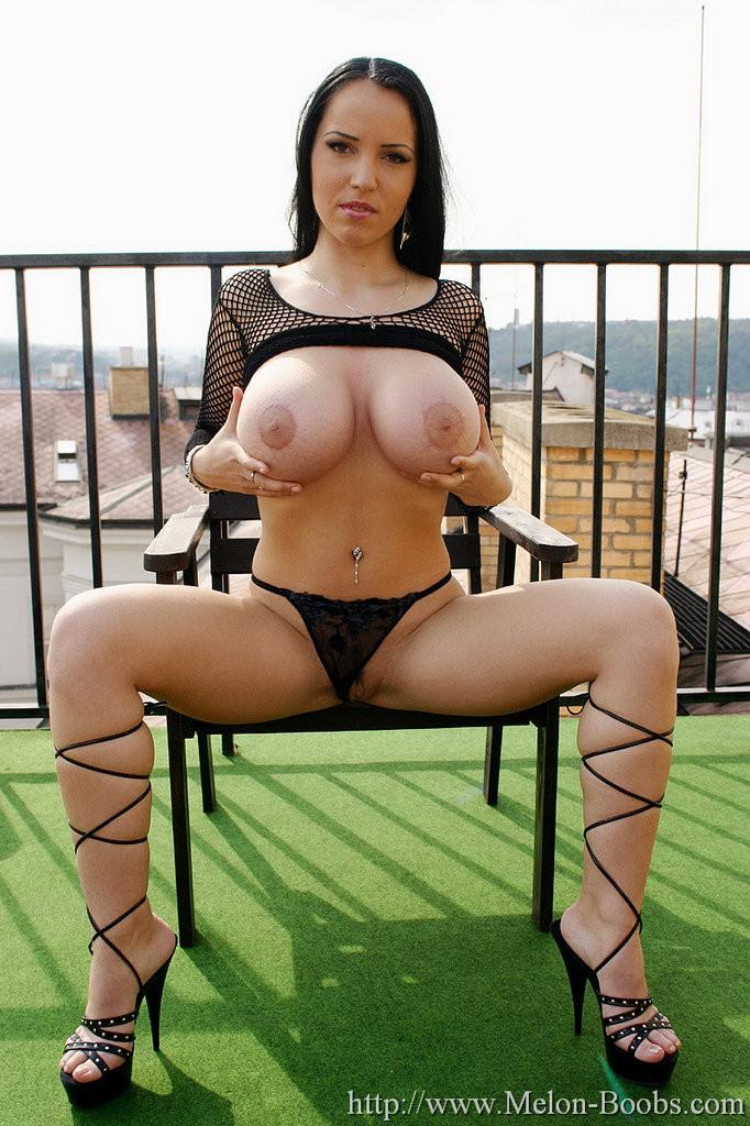 Huge boobs huge booty