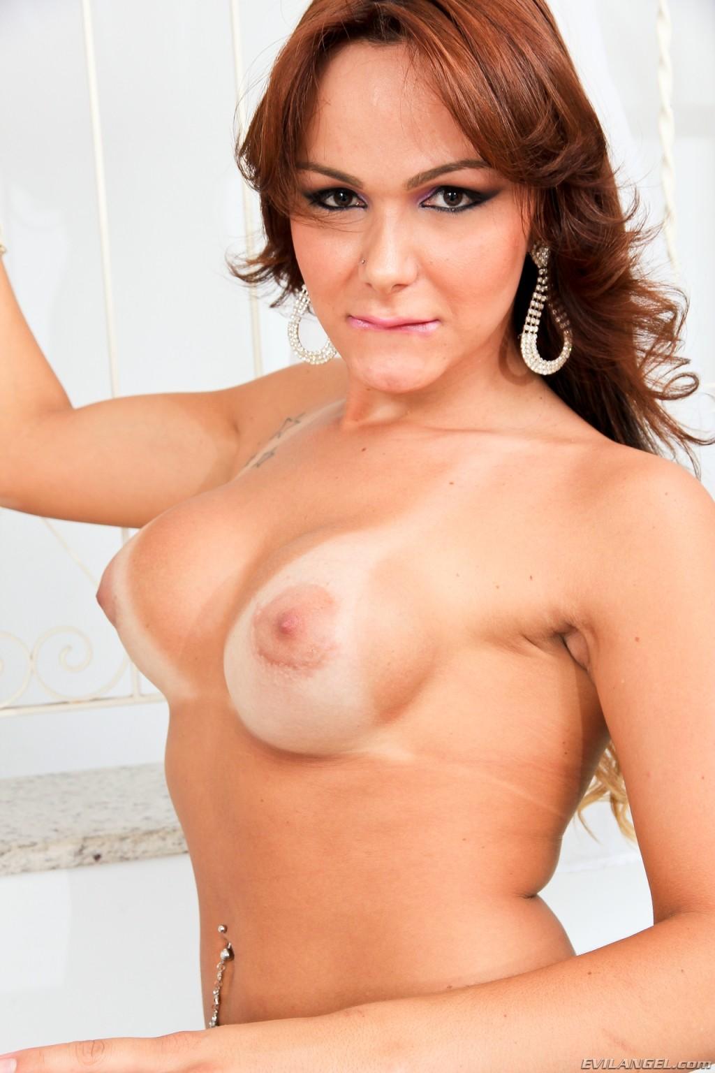 Jessica hilton shemale