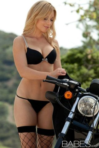 nude Kayden Kross spreading tits