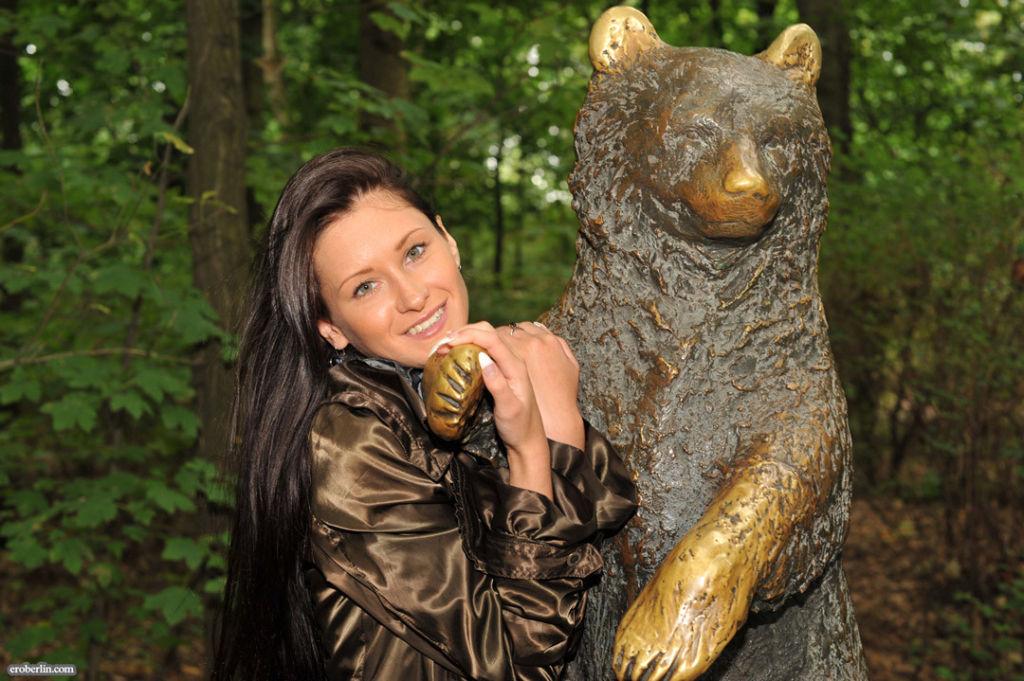 Eroberlin-Maria-sexy-animal-Park-nudeart-russian
