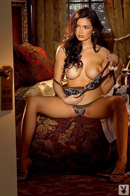 Fabulous Classy Brunette Play mate