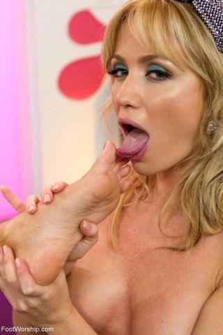 nude Ana Foxxx feet foot humiliation