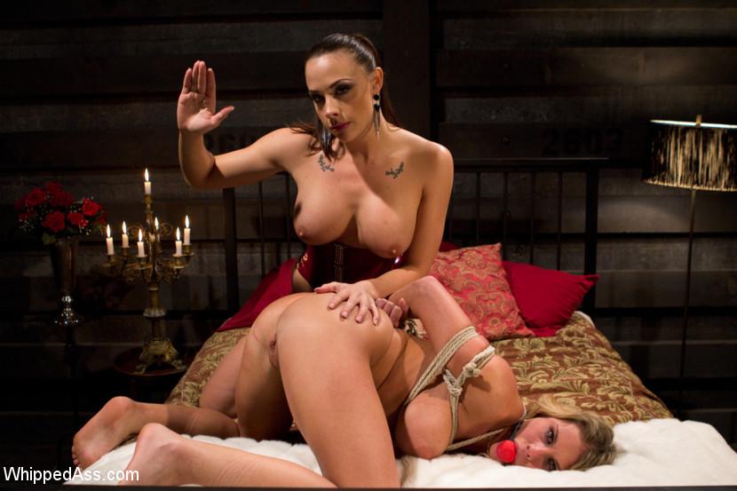 Lesbian Pussy Whipping Bondage