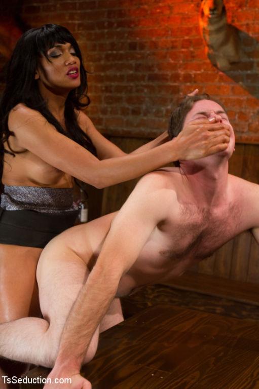 Mega Fox,Ts Yasmin Lee, unleashes her perfect cock