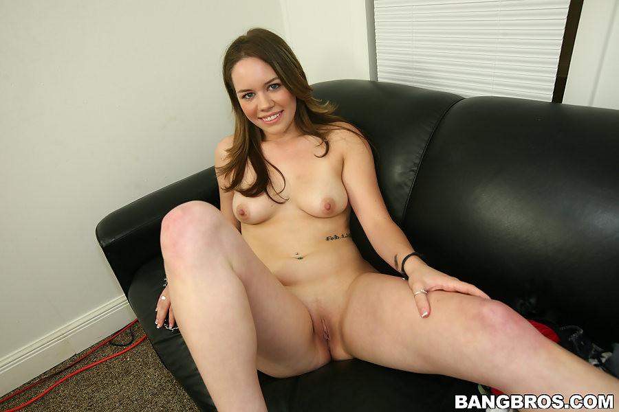 Big Ass White Girl Blowjob