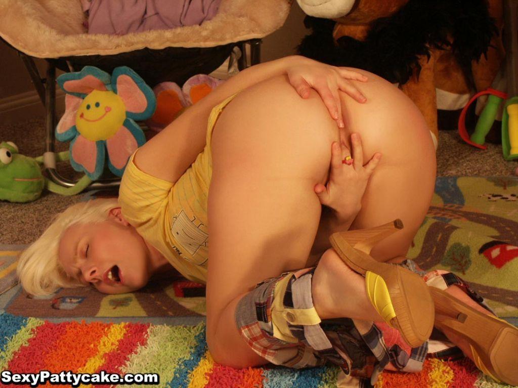 Big boob blonde teen Patty pulls down shorts