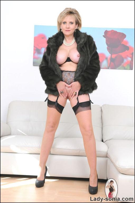 Fur and seamed nylons leggy milf Lady Sonia