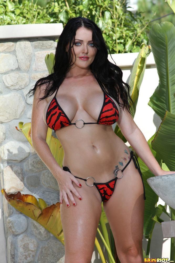 Lisa marie freeman nude fucking