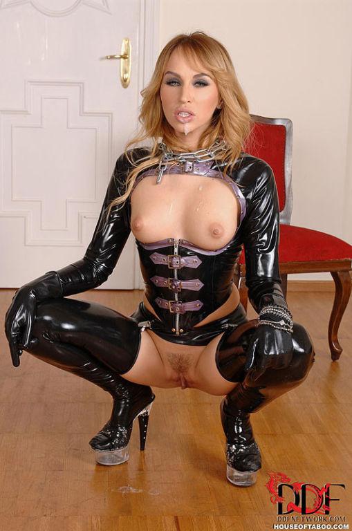 Aleska Diamond latex mistress with slave toys ass