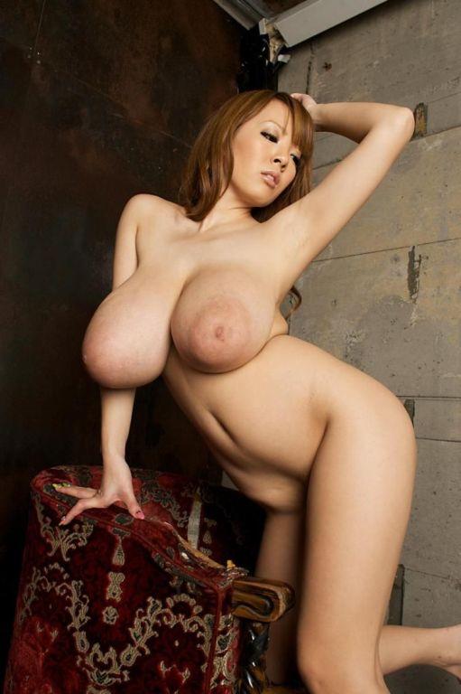 Bustiest asian model Hitomi Tanaka posing in bikin